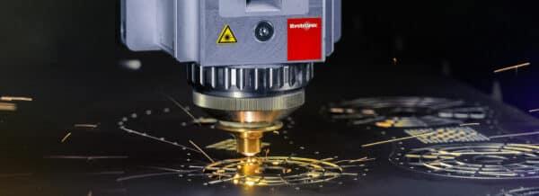 برش لیزر فلزات و غیر فلزات در صدرالیزر