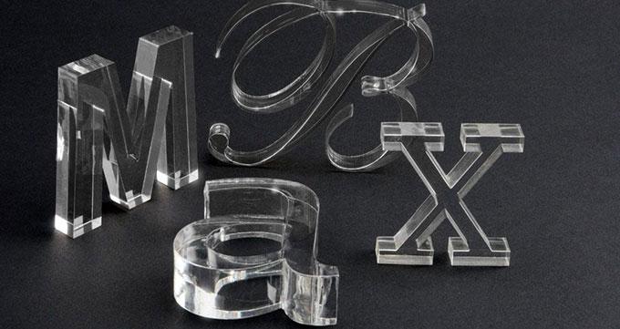 چه شیشه هایی قابلیت حکاکی با برش لیزری را دارند؟