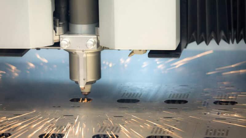اصول برش لیزری فلزات آینه ای و براق